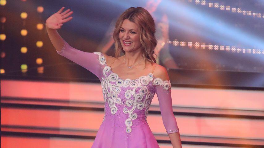 """Ella Endlich winkt bei """"Let's Dance"""", Show 2"""