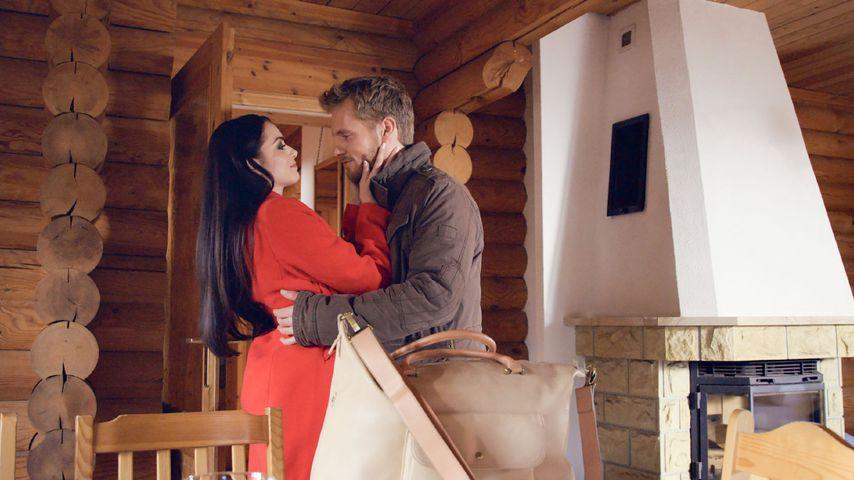 Emily (Anne Menden) und Paul (Niklas Osterloh) bei GZSZ
