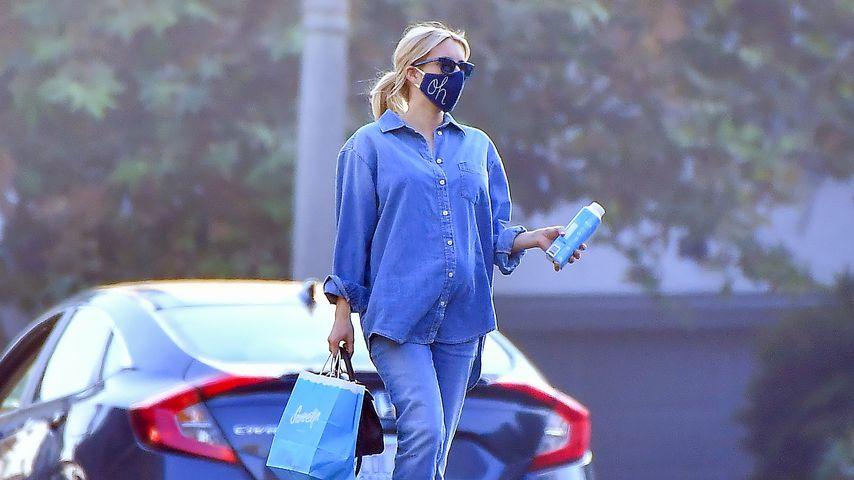 Emma Roberts in Los Angeles