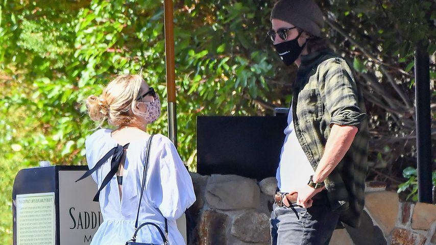 Emma Roberts und ihr Freund Garrett Hedlund in Malibu