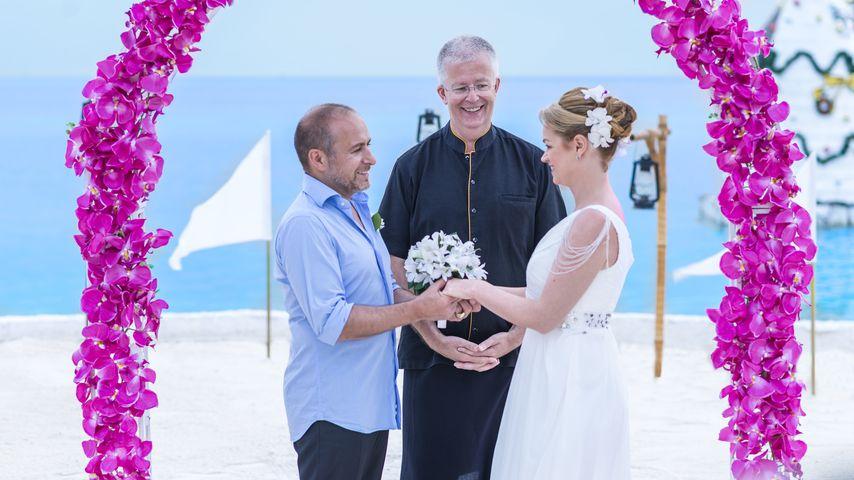 Erdogan Atalay und Katja Ohneck bei ihrer symbolischen Hochzeit auf den Malediven