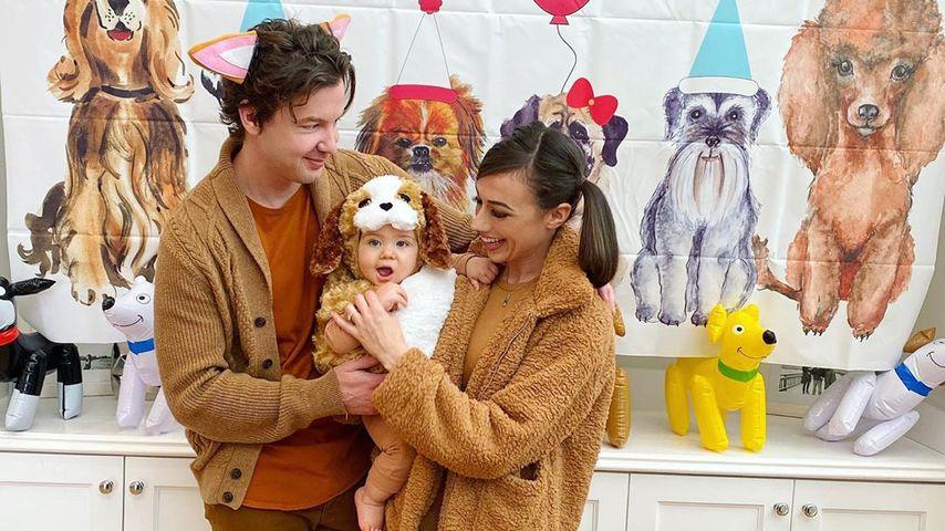Erik Stocklin und Colleen Ballinger mit ihrem Sohn Flynn, 2019