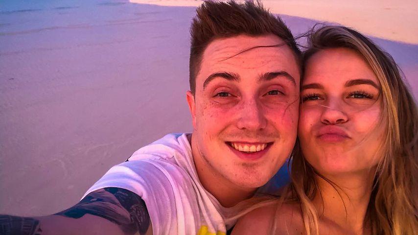 Traumstrand-Pics: Dagi & Eugen senden einen Honeymoon-Gruß!
