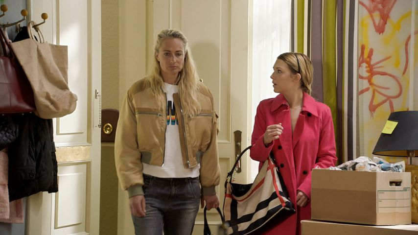 Eva Mona Rodekirchen (spielt Maren) und Iris Mareike Steen (spielt Lilly) in einer GZSZ-Szene
