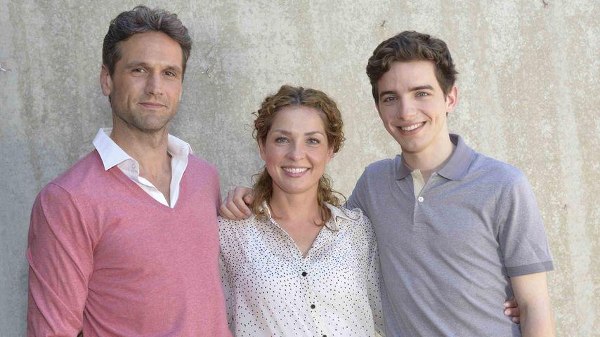 Familie Ahrens: (v.l.) Martin (Oliver Franck), Nina (Maria Wedig) und Luis (Maximilian Braun)