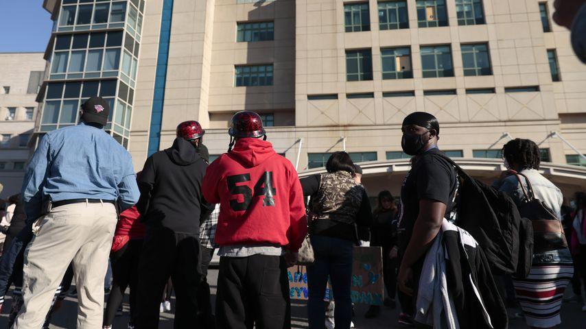 Fans von DMX vor dem New Yorker Krankenhaus