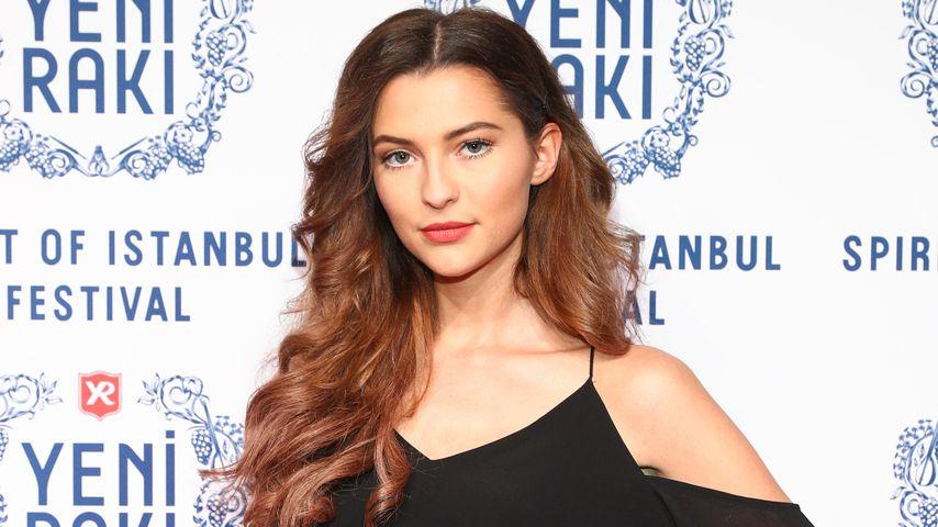 Fata Hasanović, Model