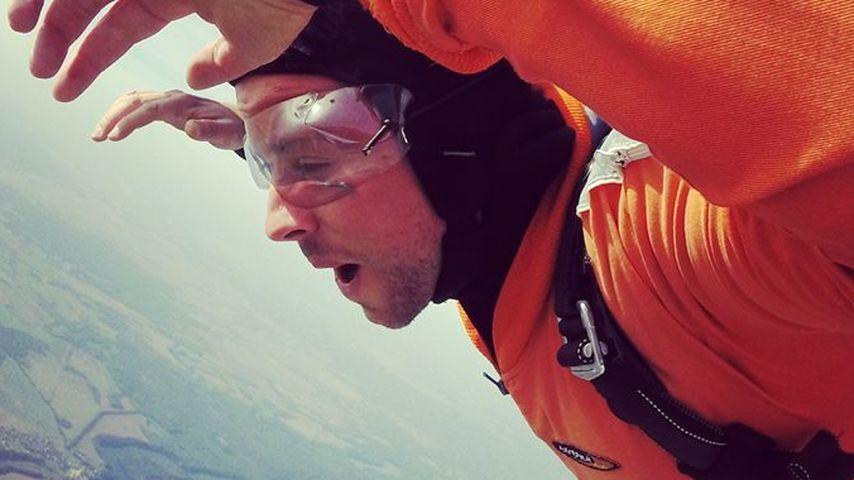 Felix von Jascheroff springt aus 4000 Metern Höhe