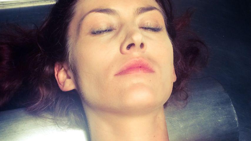 Sie spielt eine Leiche: Fiona Erdmann bei SOKO