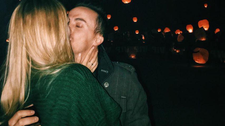Paige Price und Frankie Muniz bei ihrer Verlobung