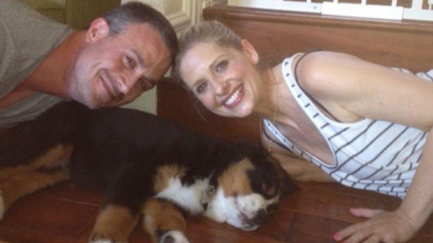 Freddie Prinze Junior und Sarah Michelle Gellar mit ihrer Hündin Bella