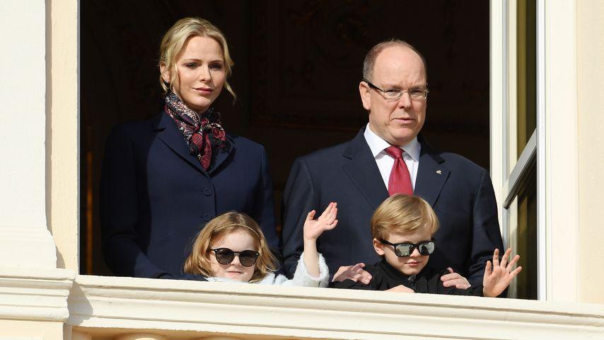 Fürstin Charlène, Prinz Albert II. und ihre beiden Kinder in Monaco im Januar 2020