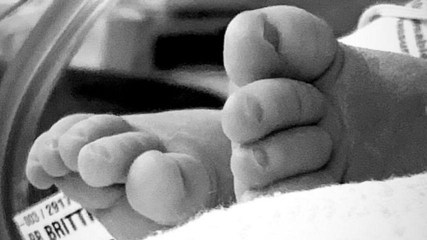 Füße des Sohns von Jenson Button und Brittny Ward
