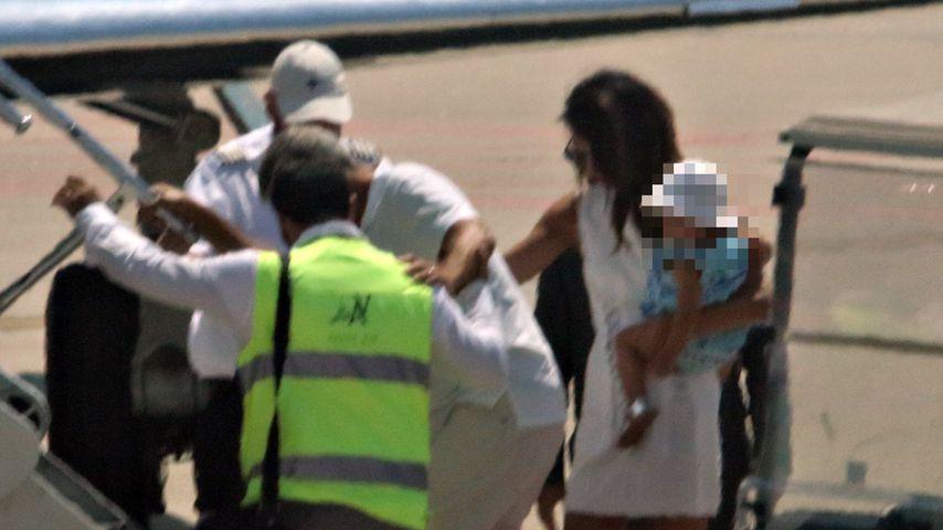 Erste Fotos nach Unfall: George Clooney muss gestützt werden