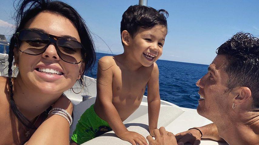 Georgina Rodriguez mit Cristiano Ronaldo und dessen Sohn, Juli 2020