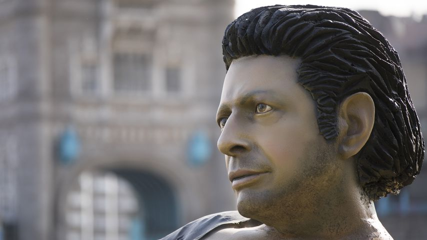 """Jeff Goldblum-""Statue in London zum ""Jurassic Park""-Jubiläum 2018"