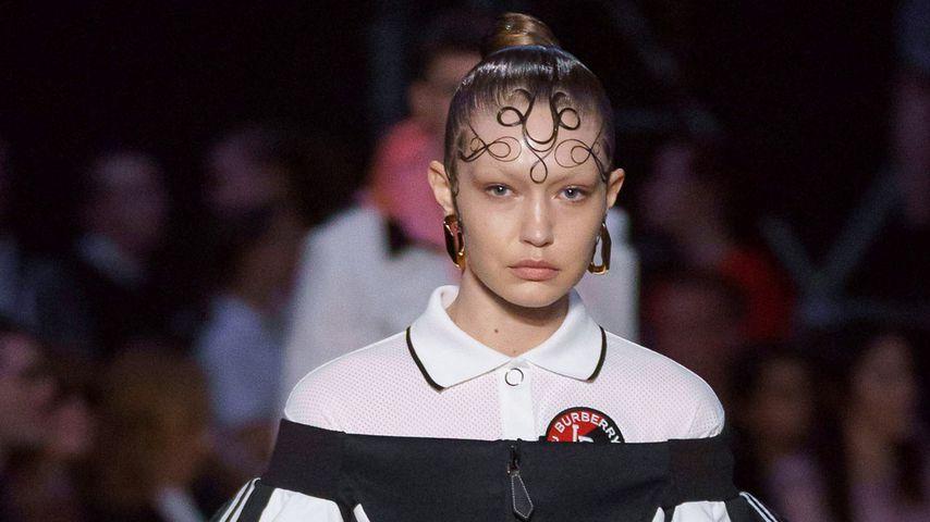 Gigi Hadids Kringel Frisur Ist Das Thema Bei Fashion Week