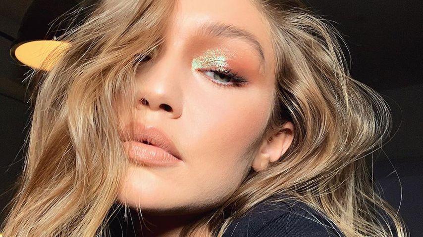 Gigi mit schillerndem Augen-Make-up