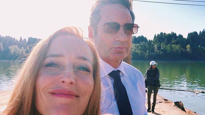 """Gillian Anderson und David Duchovny am Set von """"Akte X"""""""