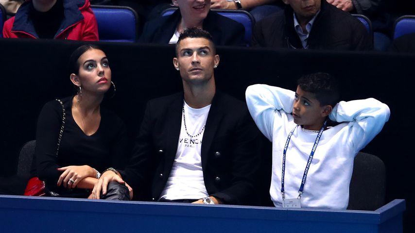 Georgina Rodriguez, Cristiano Ronaldo und Cristiano Ronaldo Jr. bei einem Tennis-Match in London