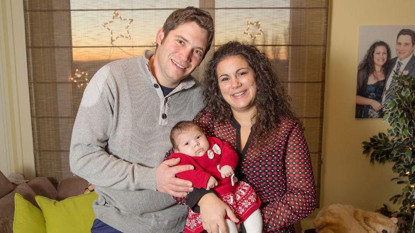 """Ex-""""Bauer sucht Frau""""-Teilnehmer Guy mit seiner Frau Victoria und Tochter Charlotte"""