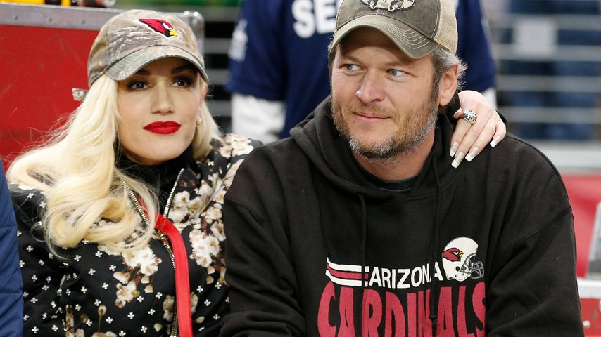 Football-Date: So verliebt sind Gwen Stefani & Blake Shelton
