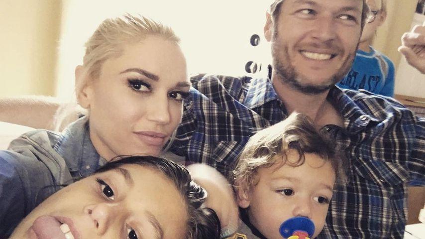 Gwen Stefani und Blake Shelton mit Gwens Kids