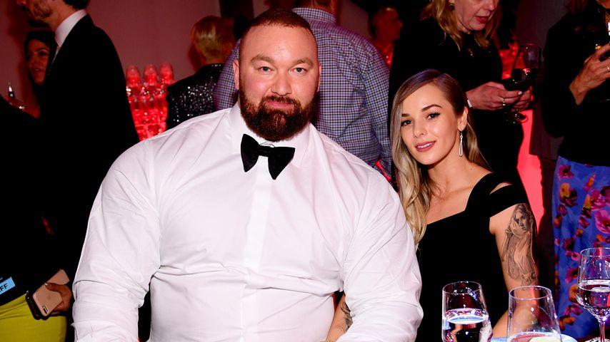 """Hafthor Julius Björnsson und Kelsey Henson auf der """"Game of Thrones""""-Afterpremierenparty in New York"""