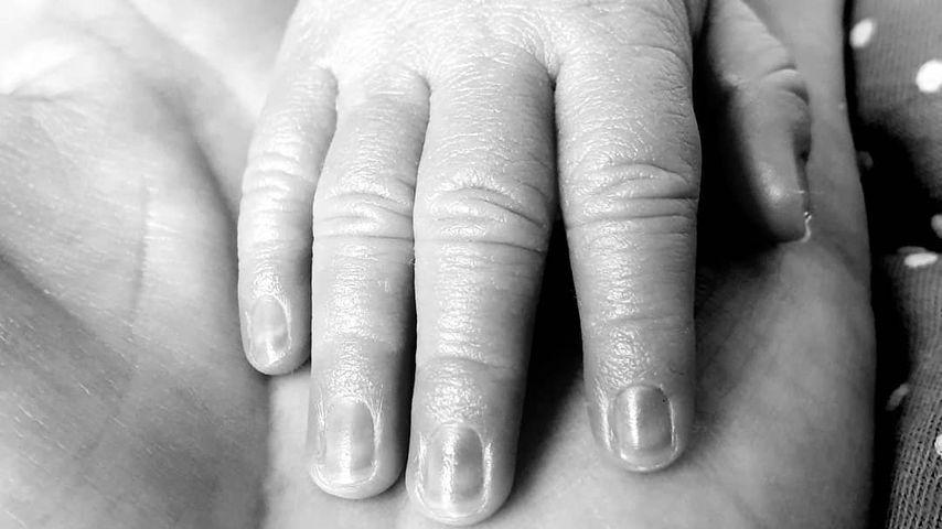 Händchen von Wolke Hegenbarths Sohn