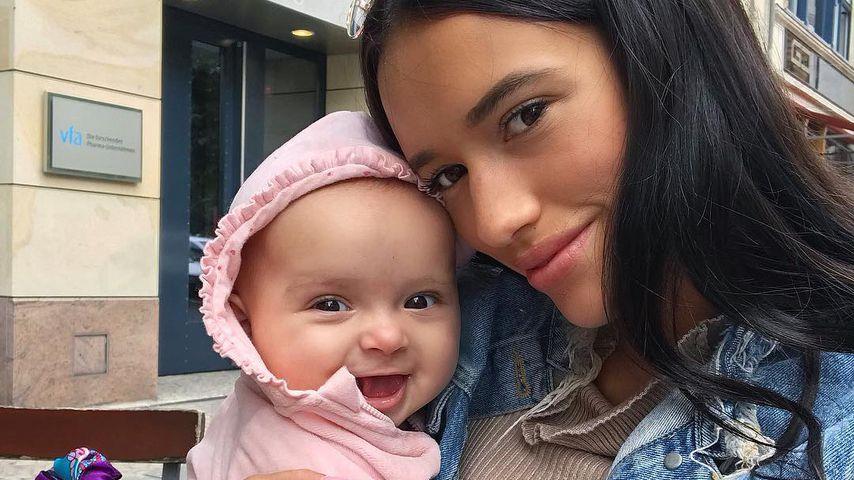 Mini-Bambi: Süße Kamera-Session bei Hanna Schlönvoigt & Baby