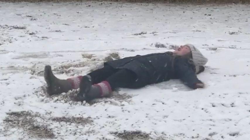 Süßer Schnee-Engel: Harper Seven verzaubert das Netz!