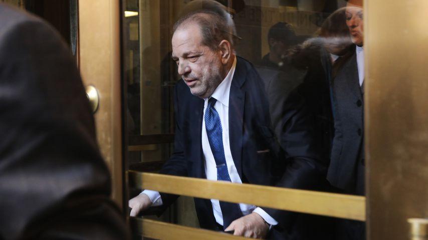 Harvey Weinstein verlässt ein Gericht in New York