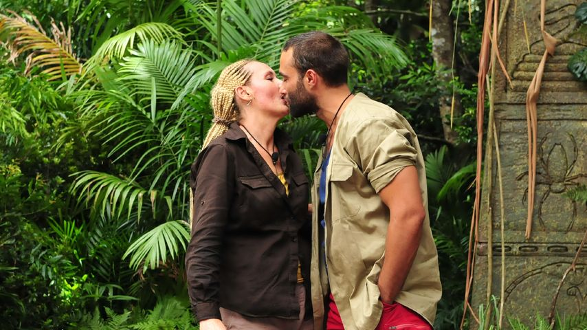 Kuss bei Dschungel-Prüfung: Was geht da bei David & Helena?