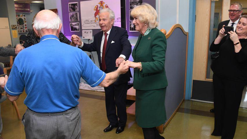 Herzogin Camilla beim Besuch eines jüdischen Pflegeheims