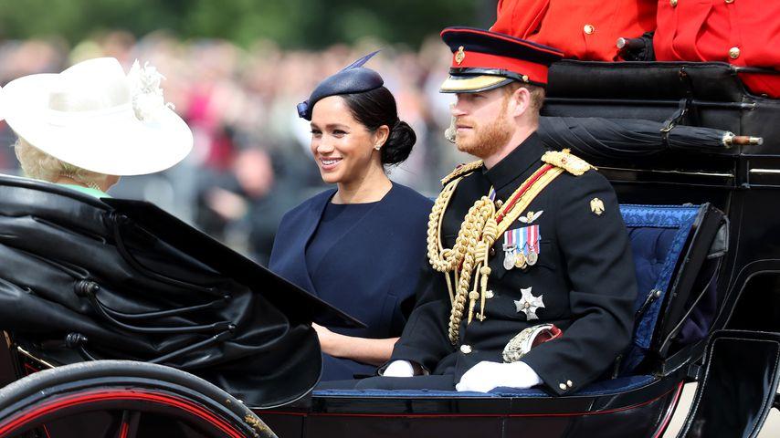 Herzogin Camilla, Herzogin Meghan und Prinz Harry beim Trooping The Colour-Event in London