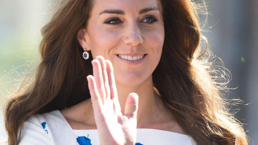 Herzogin Kate bei einem Besuch in Luton mit Pflaster im August 2016