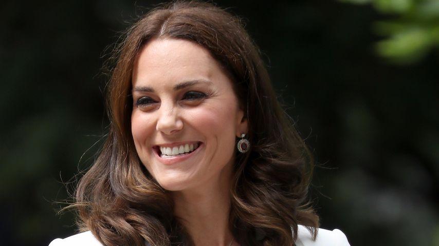 Herzogin Kate: So teuer ist das 1. Kleid ihrer Europa-Reise!