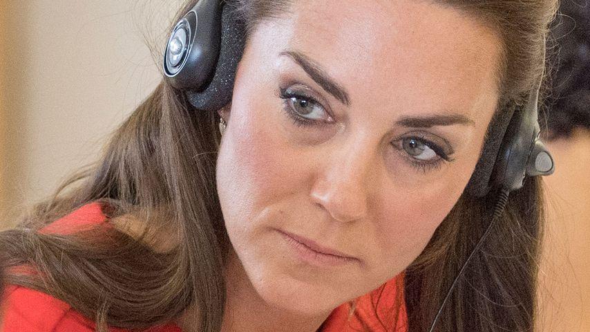 """Herzogin Kate beim Besuch der """"YoungMinds""""-Helpline in London"""