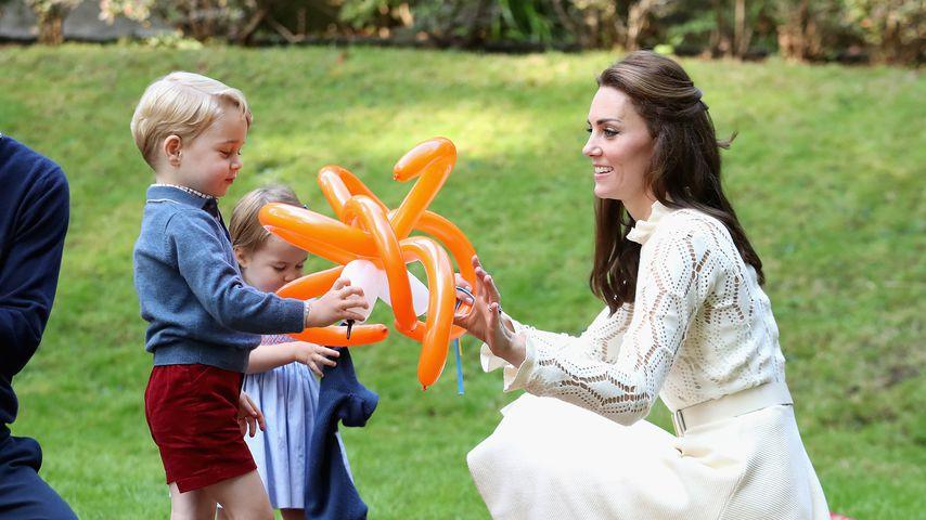 Herzogin Kate mit Prinz George und Prinzessin Charlotte