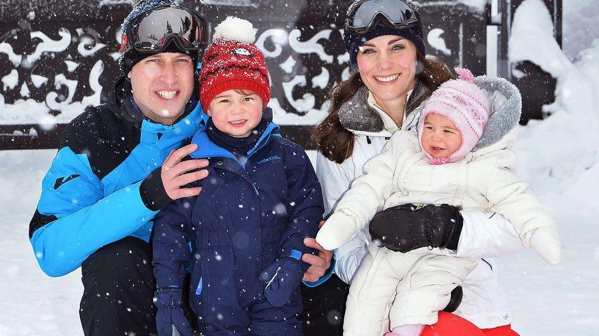 Herzogin Kate und Prinz William mit ihren Kindern George und Charlotte im Ski-Urlaub