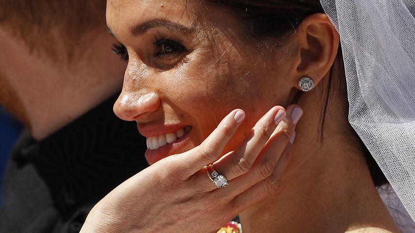 Herzogin Meghan mit ihrem Verlobungsring am Tag ihrer Hochzeit