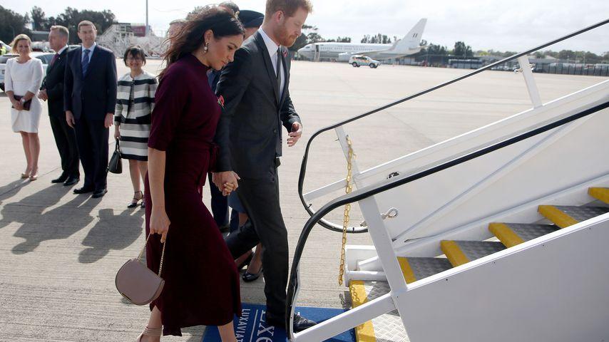 Herzogin Meghan und Prinz Harry auf dem Weg nach Neuseeland