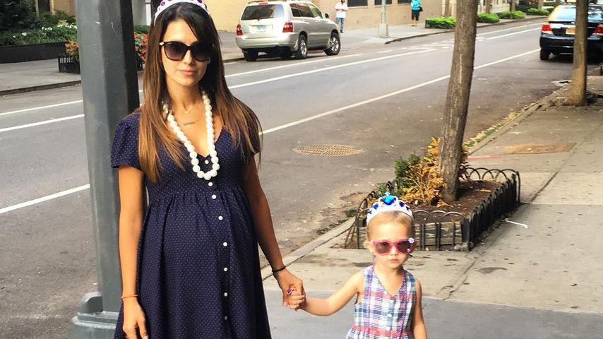 Hilaria Baldwin mit Töchterchen Carmen