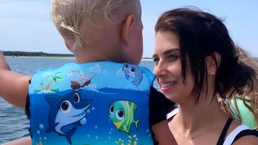 Hilaria Baldwin und ihr Sohn Romeo im Jahr 2020