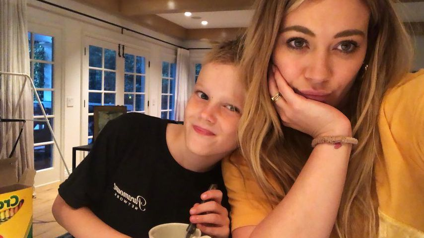 Schauspielerin Hilary Duff mit ihrem Sohn Luca