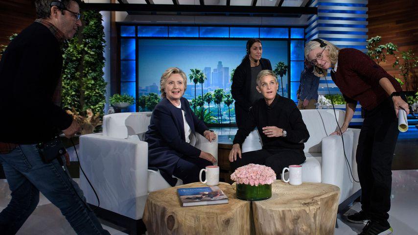 "Hillary Clinton und Ellen DeGeneres in der ""The Ellen DeGeneres Show"" in Burbank im Oktober 2016"