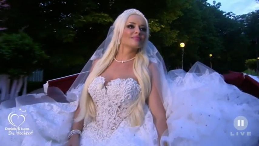 Nach Hochzeit mit Lucas: Daniela versteigert ihr Brautkleid!
