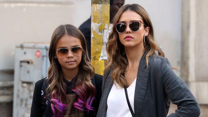 In Mailand mit Mom: Jessica Albas Tochter kriegt pinke Haare