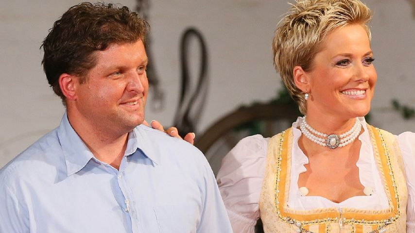 """Hühnerbauer Ralf von """"Bauer sucht Frau"""" 2014 und Inka Bause"""
