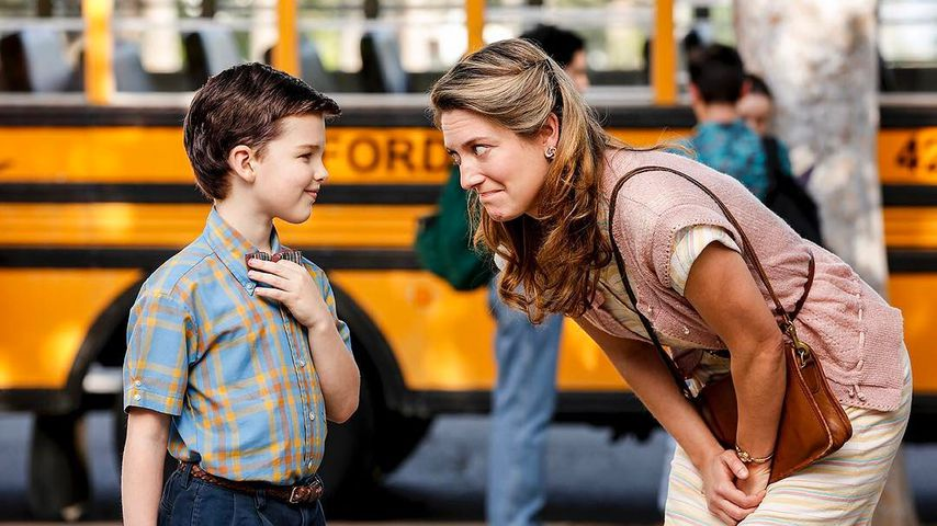 "Iain Armitage und Zoe Perry in ""Young Sheldon"""